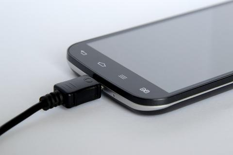 Do you charge your phone safely?